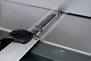 Калибр для установки ножей магнитного типа, что делает регулировку ножей более практичной и быстрой.